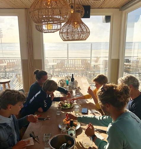 Restaurant met uitzicht op zee in Zandvoort